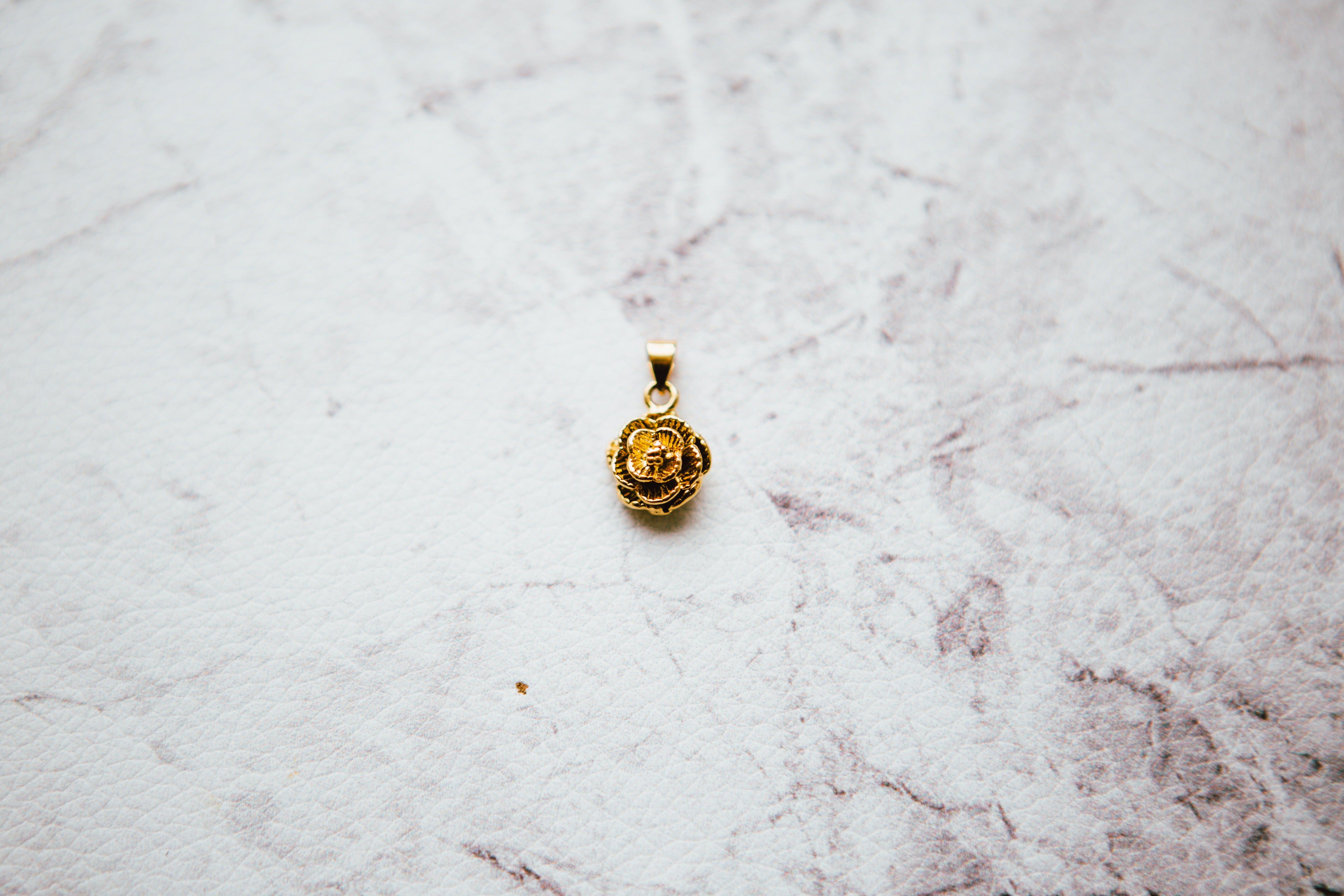 letter gold rose initial necklace v rosegold